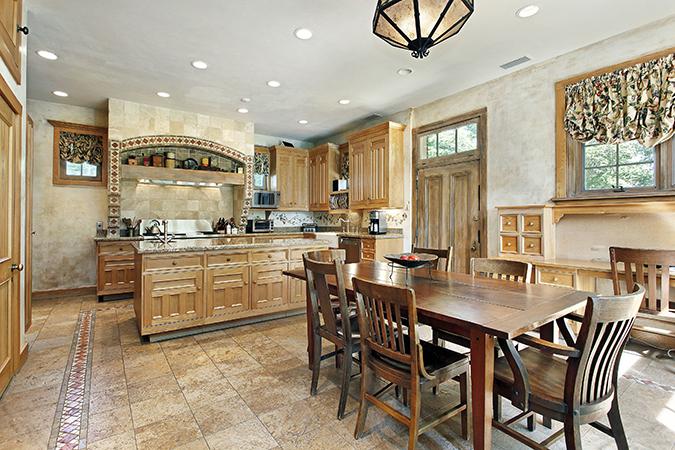Guida pratica alla scelta del tavolo per la cucina