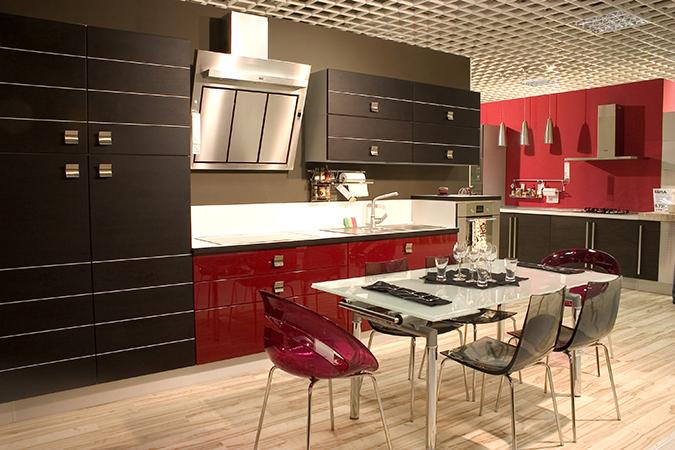 Guida pratica alla scelta del tavolo per la cucina for Tavoli e sedie per cucina moderna