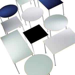 Tavoli e sgabelli d 39 arredo per l 39 angolo bar consigli utili - Tovaglia per tavolo ovale ...