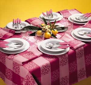 Come apparecchiare il tavolo da pranzo - Stoffe per tovaglie da tavola ...